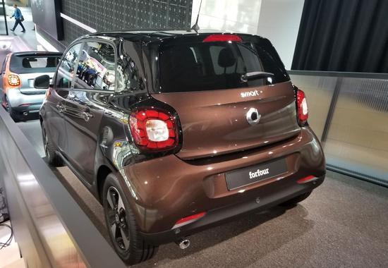 限量150台 smart家族15周年版车展发布