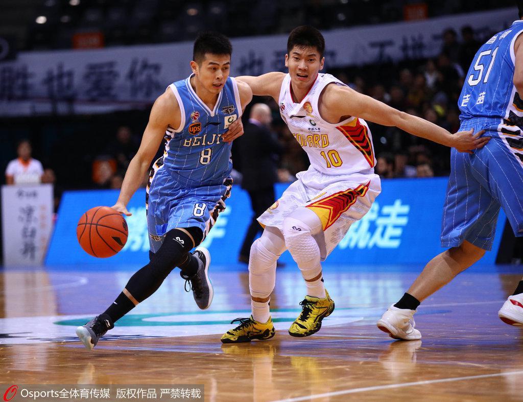 深圳7分灭北京升至第六 萨林杰39+15杰克逊41+8