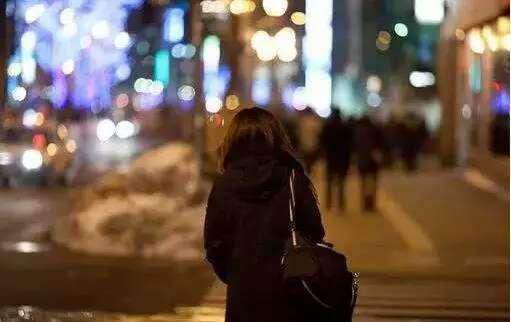 回家当公务员不可怕,可怕的是你喜欢被操控的人生