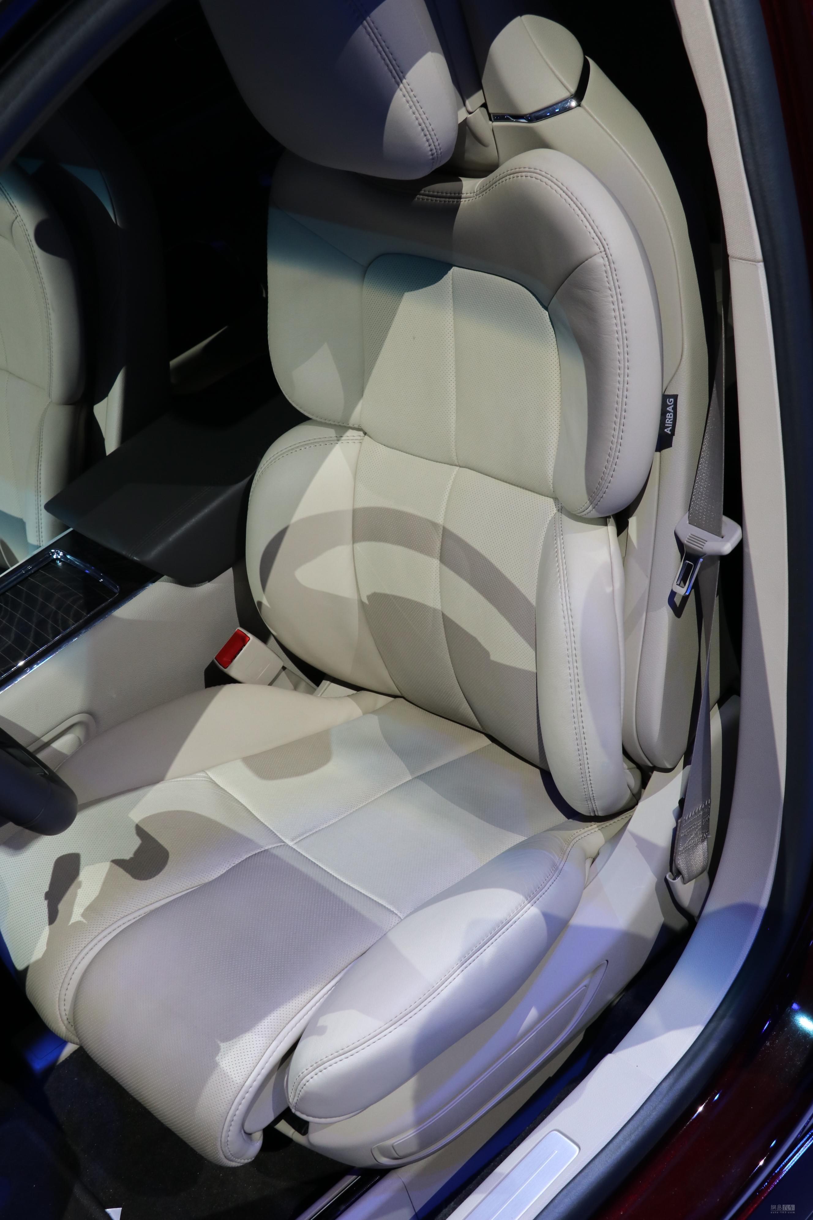车座椅结构设计