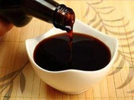 孕妇吃酱油担心胎儿变黑 专家:酱油色素不会被吸