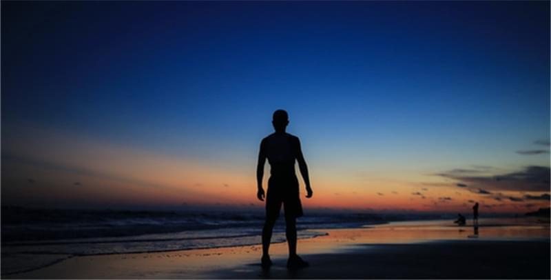 疗养官兵三亚秀唯美大片:这片温情的海