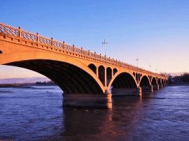 伊犁将新建三条公路及一座大桥