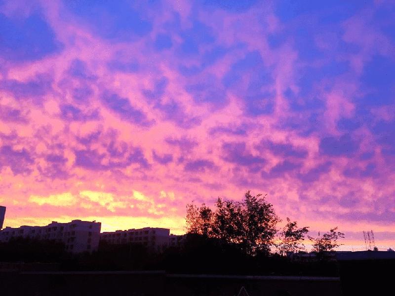克拉玛依的晚霞真的很美!