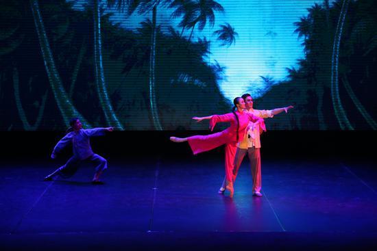 中国中央芭蕾舞团首次将芭蕾课堂搬进中国国际学校