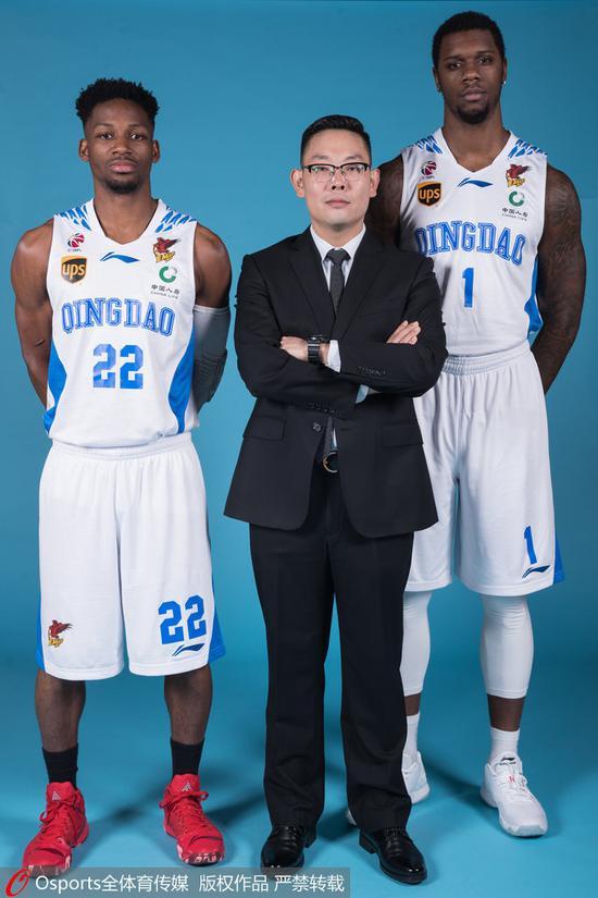 刘阳与吉布森、特伦斯-琼斯拍摄官方写真