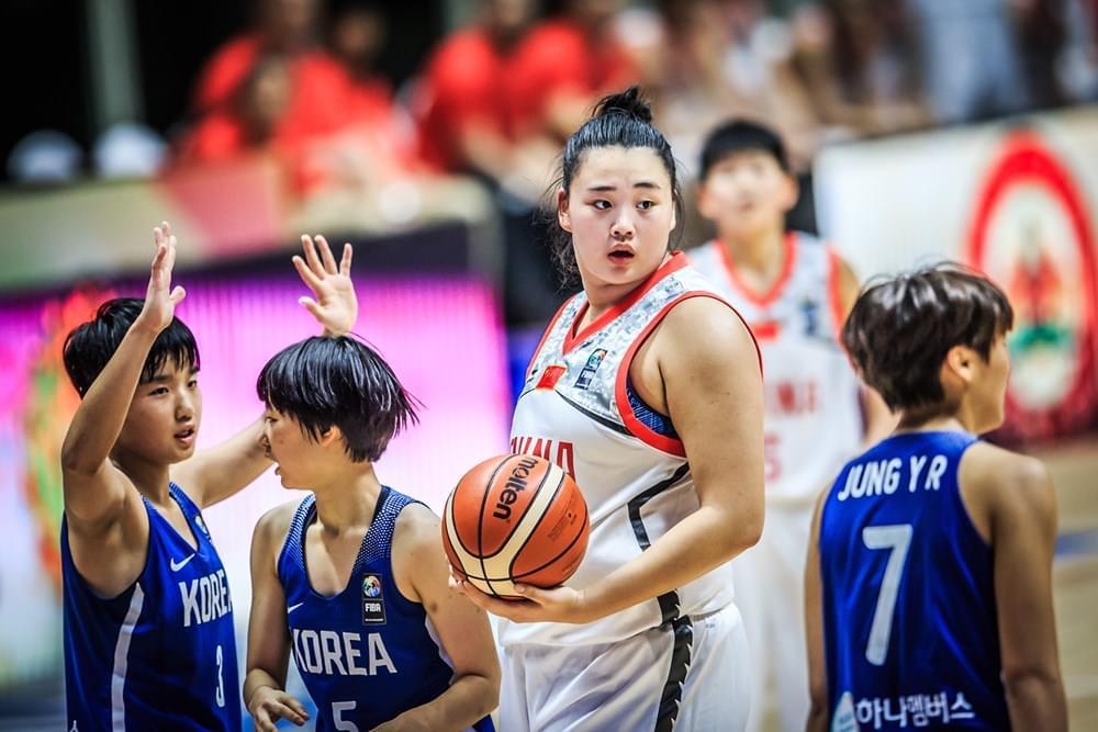 女篮亚少赛-中国大胜韩国进半决赛 刘禹彤17+21