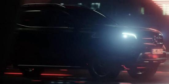 奔驰X-Class皮卡量产版官方预告片截图