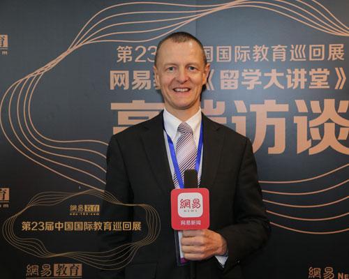 澳大利亚维多利亚大学国际招生处副主任乔恩:维多利亚大学在中国有很长的合作历史
