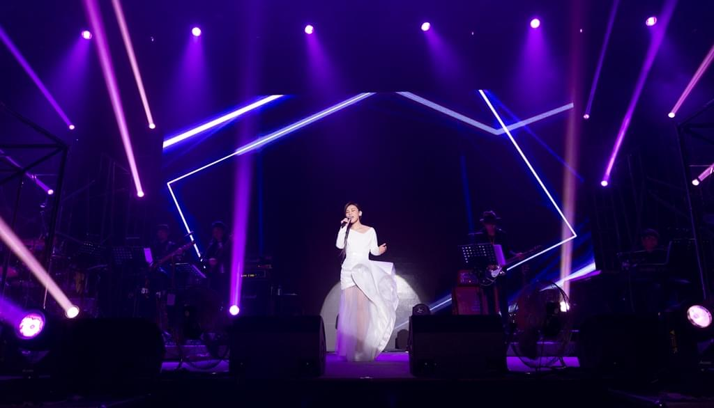 """李佳薇""""爱的风暴""""巡演北京开唱展现全能魅力"""