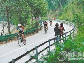蓬江潮人径可以欣赏到最繁华、最现代化的江门天际线
