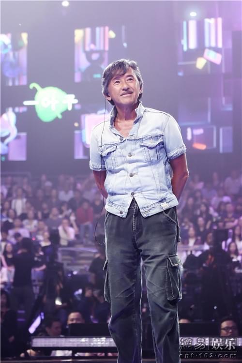歌迷和林子祥合唱《真的汉子》流泪送给病重父亲