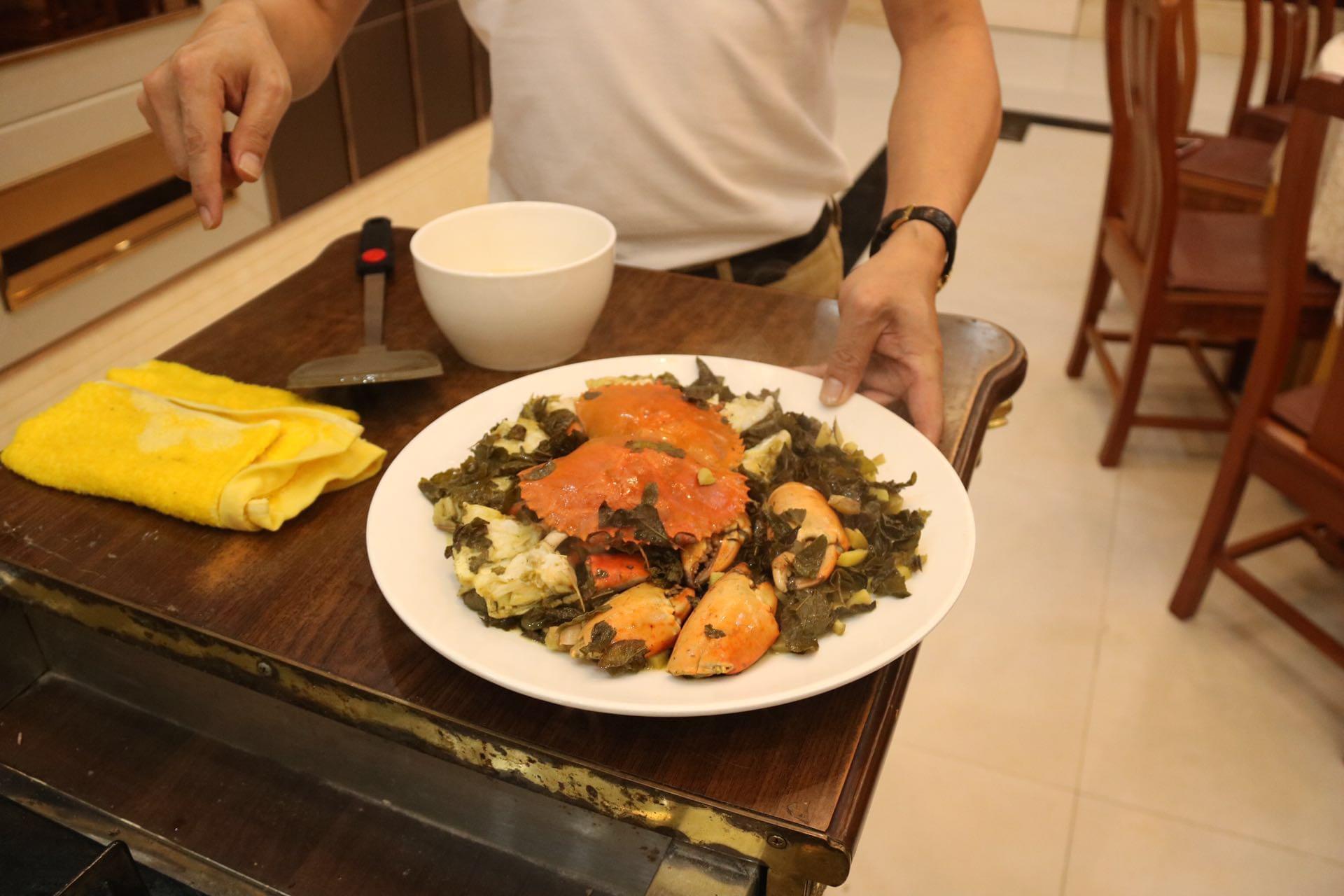 黄澄澄的姜茶焗蟹!隔着屏幕都能闻到香味