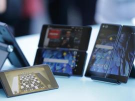 中兴AxonM折叠智能手机新品获评十大影响力事件