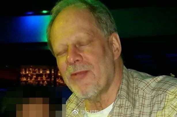 美拉斯维加斯枪击案已致50死 媒体公布枪手照片