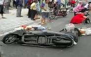 汽车失控撞向电动车 致后座女孩当场丧命