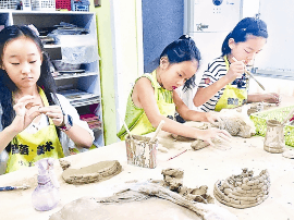 40余名孩子参加渑池部落艺术中心的彩陶培训班