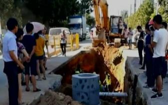 石岩在建工地坍塌致两名施工人员被埋 1死1伤