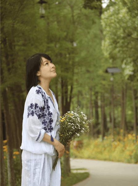 阔别七年再代言 刘若英:回乌镇像是回家