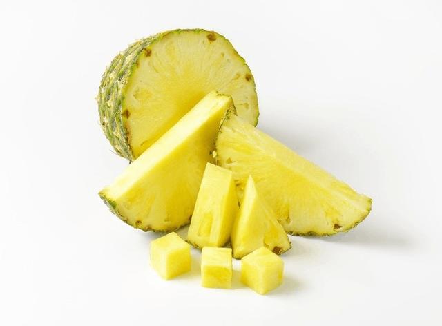 菠萝控福利:一个菠萝4种吃法,这个夏天让你怎么吃都