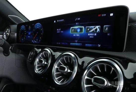 轴距加长 全新梅赛德斯-奔驰长轴距A级轿车全球首发