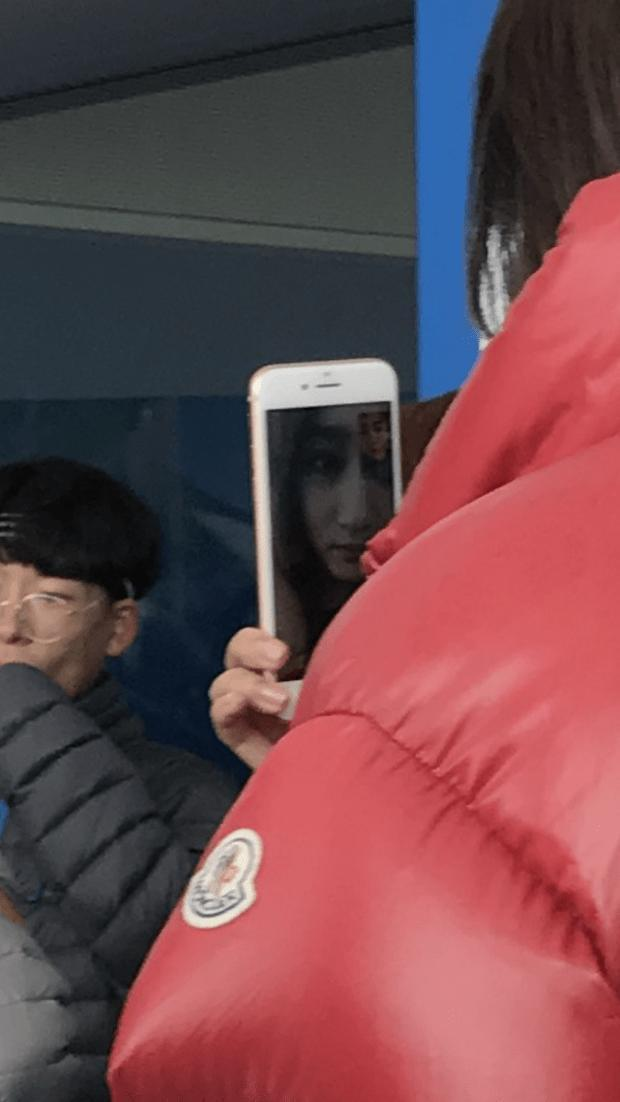 甜蜜暴击!关晓彤和鹿晗视频通话 但是主要看自己