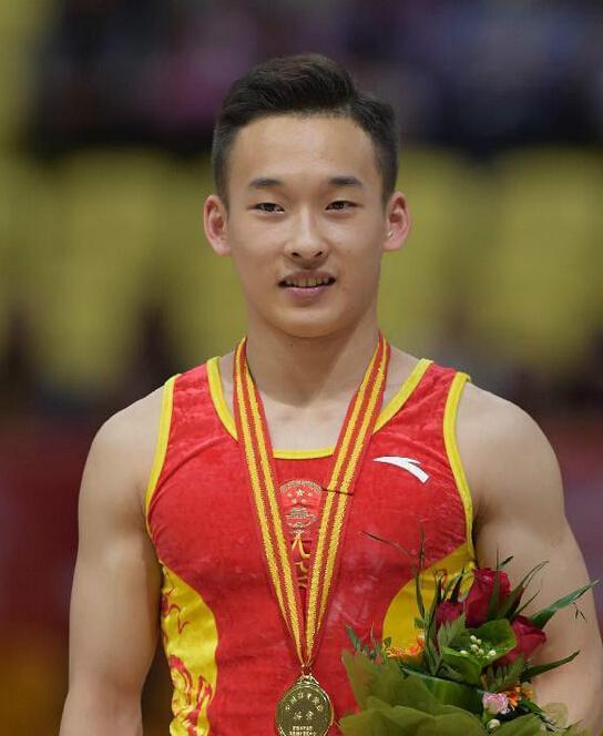 体操男队备战世锦赛 肖若腾单杠放弃高难度动作