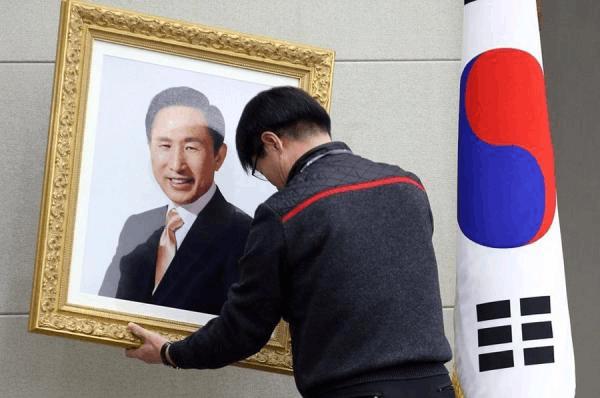 韩检方正式调查李明博涉嫌滥用职权