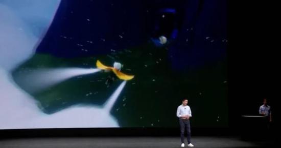 陈星汉现身苹果发布会 演示Apple TV游戏《Sky》