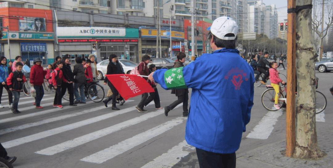 解读《荆州市文明行为促进条例》 有奖有罚接地气