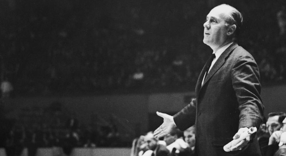 1965年《SI》专栏精译: 当红衣主教奥尔巴赫坐下 嘘声响起
