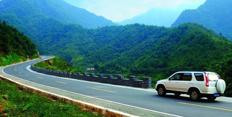 山西:三年将建成三大板块旅游公路