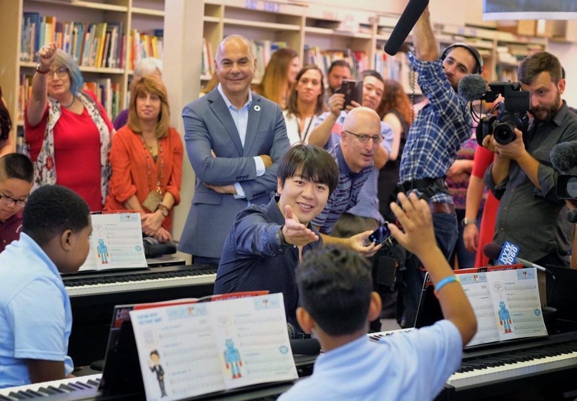 郎朗全球做公益 干实事建音乐教室