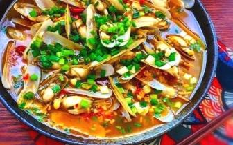 蒜蓉剁椒蛏子——蒜蓉的香剁椒的辣配上蛏肉的鲜