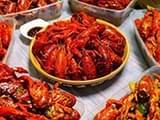 宁波餐饮店已开卖小龙虾 价格和去年基本持平
