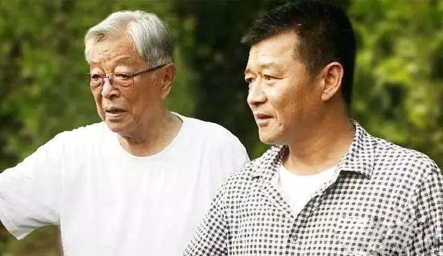 90岁的褚时健还在努力 你却每天泡着枸杞假装佛系
