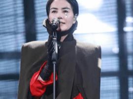 龚琳娜丈夫炮轰王菲:竟有胆凭差劲的演唱上舞台!