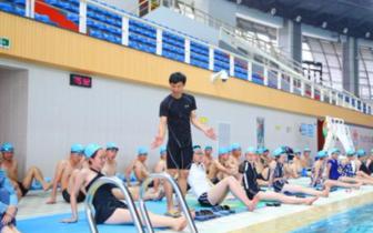 十二中开设游泳必修课  初一新生都要参加