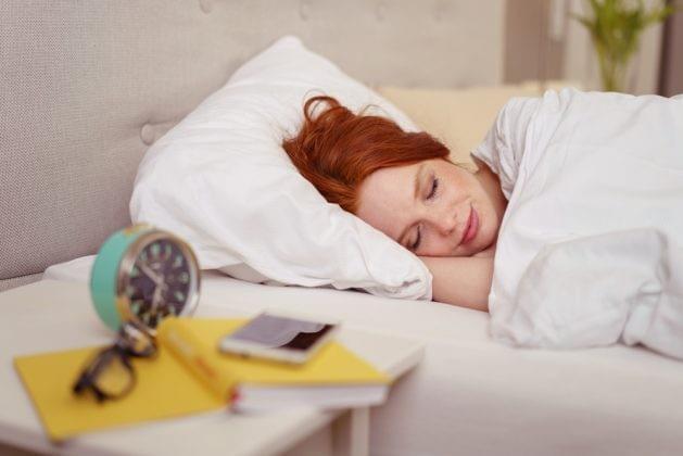 减肥不只是少吃多动 更要保证充足睡眠