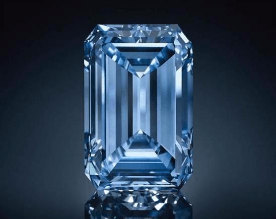 全球最大炫彩蓝钻将拍卖