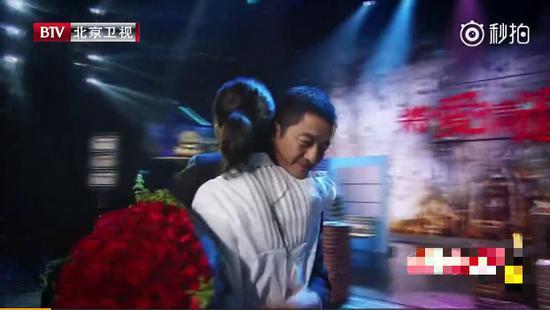 《将爱》播出二十年 徐静蕾献唱李亚鹏惊喜现身