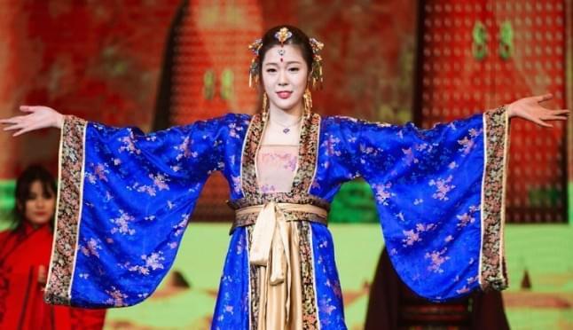 姐姐廖悦辰曾是一名模特