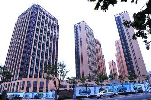 限购加重后青岛公寓热度提升 开发商争相推出新盘