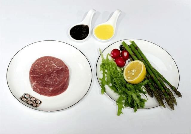 牛排这样煎肉嫩又多汁 一点腥味也没有