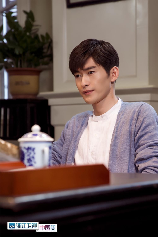 《传奇大亨》首播获赞 张翰宋轶上演快进式恋情