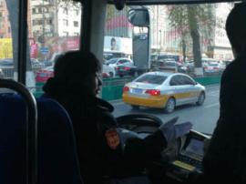 流动的文化课堂 吉林好人主题文化公交车上线运营