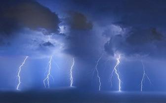 雷暴+雨+大风!赤壁人千万别出门……