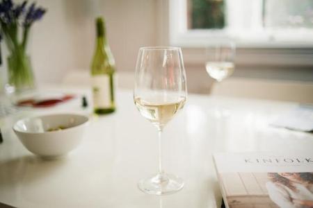 葡萄酒流传甚广的谣言 中招没?