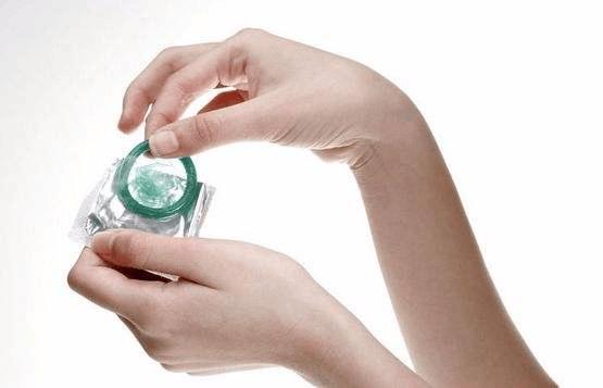 新研究:不避孕的女性更吸引异性