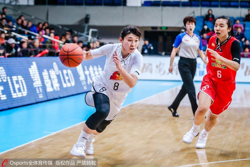 北京新主帅带领冠军阵容小雏鹰走进职业赛场